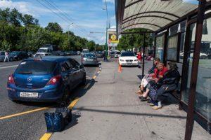 парковку на автобусной остановке