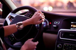 Управление транспортным средством водителем