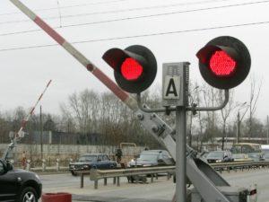 проезд на красный свет на железнодорожном переезде